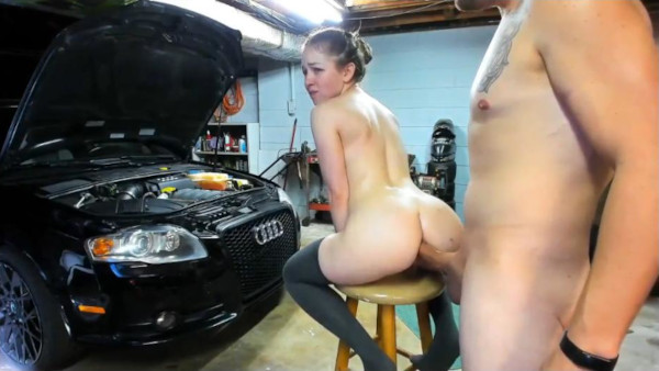 Sesso anale in garage